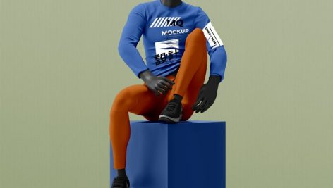 موکاپ لباس مردانه